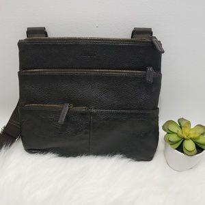 Roots sling bag